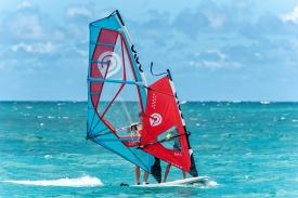 2019_Sails_surf_action5@2x