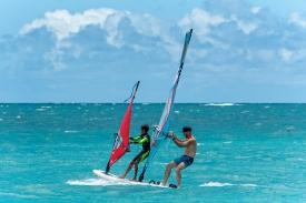 2019_Sails_surf_action6@2x