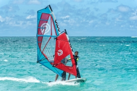 2019_Sails_surf_action1@2x