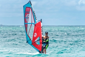 2019_Sails_surf_action2@2x